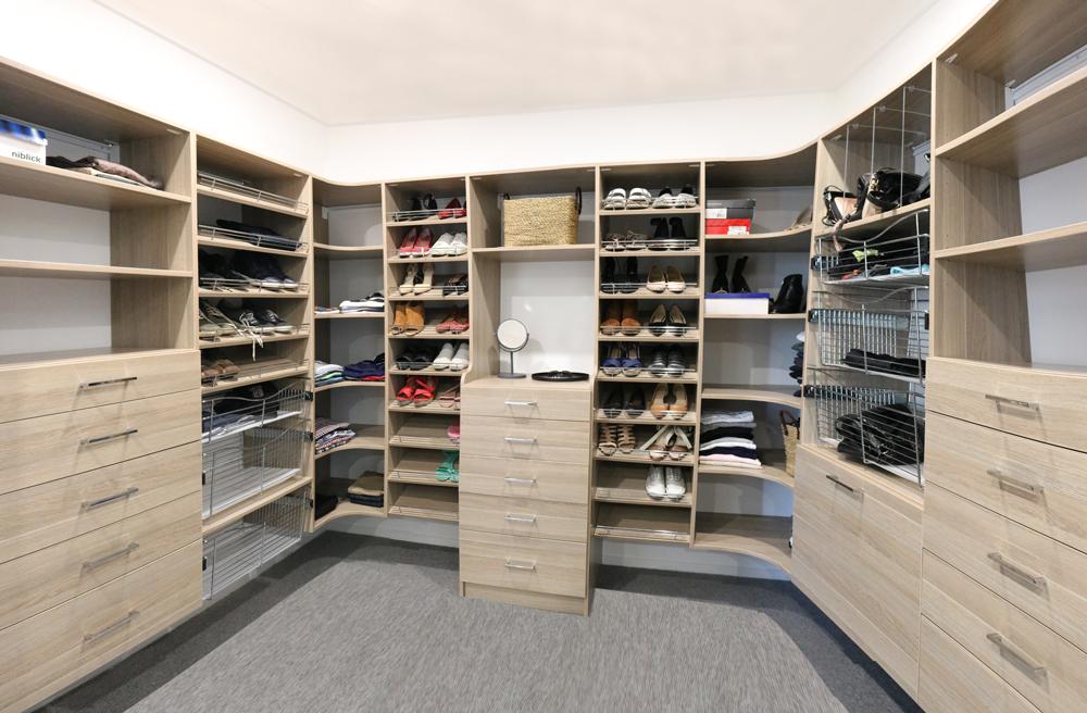 wardrobe in queenscliff