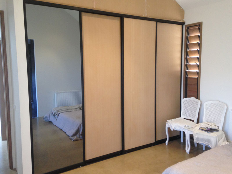 reach-in-wardrobe-doors